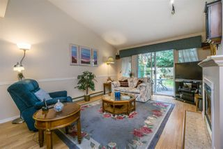 """Photo 10: 30 8737 212 Street in Langley: Walnut Grove Townhouse for sale in """"Chartwell Green"""" : MLS®# R2142745"""