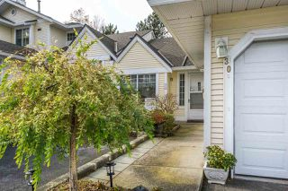 """Photo 2: 30 8737 212 Street in Langley: Walnut Grove Townhouse for sale in """"Chartwell Green"""" : MLS®# R2142745"""