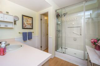 """Photo 14: 30 8737 212 Street in Langley: Walnut Grove Townhouse for sale in """"Chartwell Green"""" : MLS®# R2142745"""