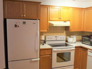 Photo 8: 307 25 RICHMOND Street in New Westminster: Fraserview NW Condo for sale : MLS®# R2148739