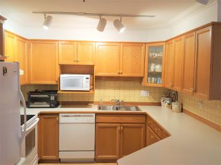 Photo 9: 307 25 RICHMOND Street in New Westminster: Fraserview NW Condo for sale : MLS®# R2148739