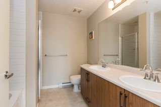 Photo 12: 305 11950 HARRIS Road in Pitt Meadows: Central Meadows Condo for sale : MLS®# R2158872