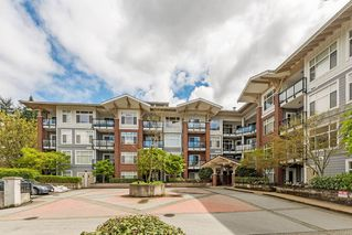 Photo 1: 305 11950 HARRIS Road in Pitt Meadows: Central Meadows Condo for sale : MLS®# R2158872