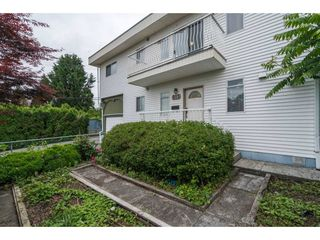 Photo 2: 913 MADORE Avenue in Coquitlam: Central Coquitlam House for sale : MLS®# R2176271