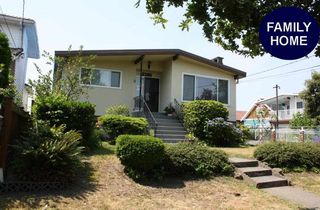 Main Photo: 4363 DUMFRIES Street in Vancouver: Knight House for sale (Vancouver East)  : MLS®# R2192418