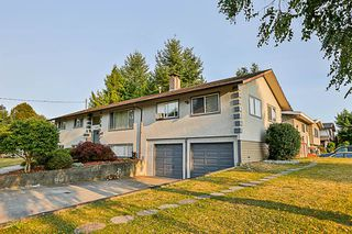 Photo 2: 21756 DONOVAN Avenue in Maple Ridge: West Central House for sale : MLS®# R2194111