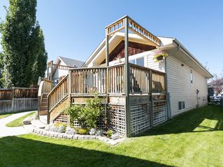 Photo 3: 138 PRESTWICK Landing SE in Calgary: McKenzie Towne House for sale : MLS®# C4134520