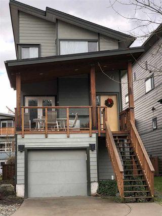 "Photo 2: 25 40137 GOVERNMENT Road in Squamish: Garibaldi Estates House for sale in ""Amblepath"" : MLS®# R2239494"