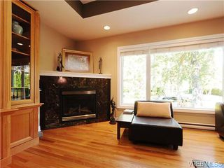 Photo 7: 1515 Regents Place in VICTORIA: Vi Rockland Residential for sale (Victoria)  : MLS®# 342214