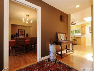Photo 11: 1515 Regents Place in VICTORIA: Vi Rockland Residential for sale (Victoria)  : MLS®# 342214