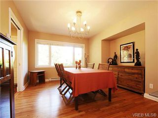 Photo 13: 1515 Regents Place in VICTORIA: Vi Rockland Residential for sale (Victoria)  : MLS®# 342214