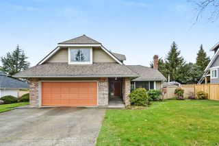 "Photo 1: 5445 185 Street in Surrey: Cloverdale BC House for sale in ""HUNTER PARK"" (Cloverdale)  : MLS®# R2243893"