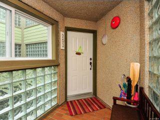 Photo 10: 203 A 2250 MANOR PLACE in COMOX: CV Comox (Town of) Condo for sale (Comox Valley)  : MLS®# 781804