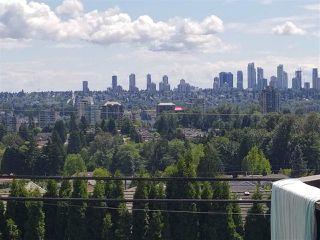 """Photo 5: 5148 HASTINGS Street in Burnaby: Capitol Hill BN Condo for sale in """"MAYWOOD MANOR"""" (Burnaby North)  : MLS®# R2277144"""