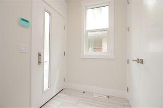 Photo 2: 11427 80 Avenue in Edmonton: Zone 15 House Half Duplex for sale : MLS®# E4116000