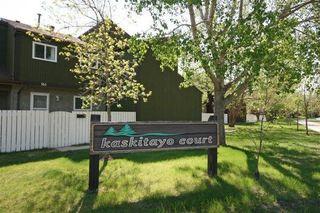 Main Photo: 119 KASKITAYO Court in Edmonton: Zone 16 Townhouse for sale : MLS®# E4126665
