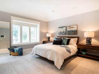 "Photo 12: 2150 E 6TH Avenue in Vancouver: Grandview VE House for sale in ""The Drive"" (Vancouver East)  : MLS®# R2302383"
