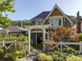 "Photo 1: 2150 E 6TH Avenue in Vancouver: Grandview VE House for sale in ""The Drive"" (Vancouver East)  : MLS®# R2302383"