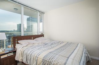 "Photo 8: 2009 550 TAYLOR Street in Vancouver: Downtown VW Condo for sale in ""THE TAYLOR"" (Vancouver West)  : MLS®# R2351849"