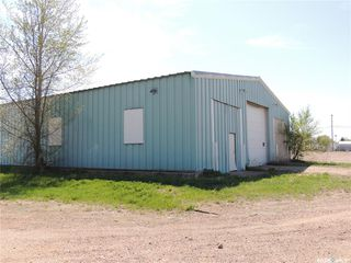 Photo 3: 902 Queen Street in Estevan: Hillside Commercial for sale : MLS®# SK767659