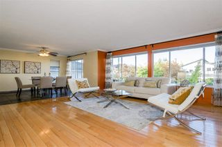 Photo 3: 476 GLENBROOK Drive in New Westminster: Fraserview NW House for sale : MLS®# R2411560