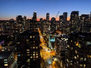"Photo 19: PH2404 1010 RICHARDS Street in Vancouver: Yaletown Condo for sale in ""Gallery"" (Vancouver West)  : MLS®# R2420892"