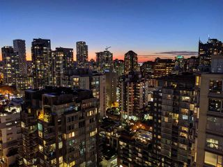 "Photo 18: PH2404 1010 RICHARDS Street in Vancouver: Yaletown Condo for sale in ""Gallery"" (Vancouver West)  : MLS®# R2420892"