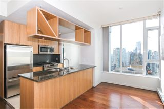 "Photo 4: PH2404 1010 RICHARDS Street in Vancouver: Yaletown Condo for sale in ""Gallery"" (Vancouver West)  : MLS®# R2420892"