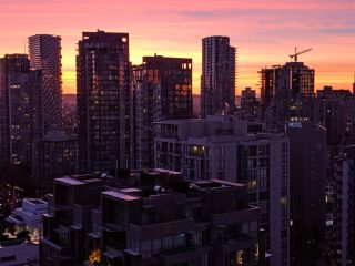 "Photo 20: PH2404 1010 RICHARDS Street in Vancouver: Yaletown Condo for sale in ""Gallery"" (Vancouver West)  : MLS®# R2420892"