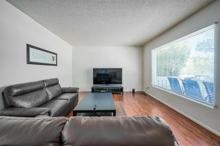 Photo 3: 4732 45 Street SW in Calgary: Glamorgan Detached for sale : MLS®# C4180879