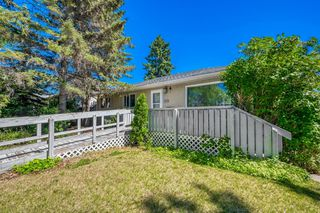 Photo 1: 4732 45 Street SW in Calgary: Glamorgan Detached for sale : MLS®# C4180879
