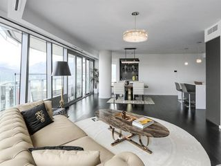 Photo 10: 4303 1151 W GEORGIA Street in Vancouver: Coal Harbour Condo for sale (Vancouver West)  : MLS®# R2475256