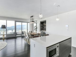 Photo 5: 4303 1151 W GEORGIA Street in Vancouver: Coal Harbour Condo for sale (Vancouver West)  : MLS®# R2475256