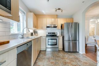 """Photo 8: 114 6336 197 Street in Langley: Willoughby Heights Condo for sale in """"Rockport"""" : MLS®# R2477551"""