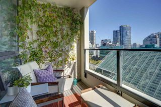 """Photo 8: 1305 938 SMITHE Street in Vancouver: Downtown VW Condo for sale in """"ELECTRIC AVENUE"""" (Vancouver West)  : MLS®# R2491413"""