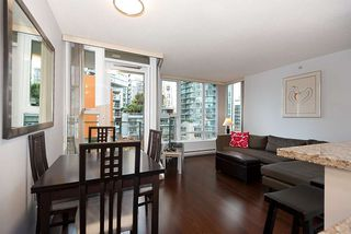 "Photo 6: 607 550 PACIFIC Street in Vancouver: Yaletown Condo for sale in ""AQUA AT THE PARK"" (Vancouver West)  : MLS®# R2518255"