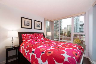 "Photo 22: 607 550 PACIFIC Street in Vancouver: Yaletown Condo for sale in ""AQUA AT THE PARK"" (Vancouver West)  : MLS®# R2518255"