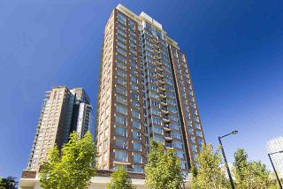 "Photo 1: 607 550 PACIFIC Street in Vancouver: Yaletown Condo for sale in ""AQUA AT THE PARK"" (Vancouver West)  : MLS®# R2518255"