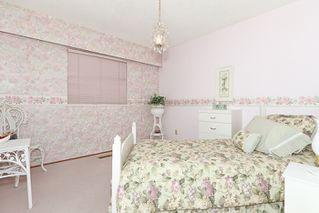 "Photo 14: 856 51A Street in Tsawwassen: Tsawwassen Central House for sale in ""CLIFF DRIVE"" : MLS®# V879158"