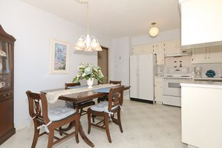 "Photo 9: 856 51A Street in Tsawwassen: Tsawwassen Central House for sale in ""CLIFF DRIVE"" : MLS®# V879158"