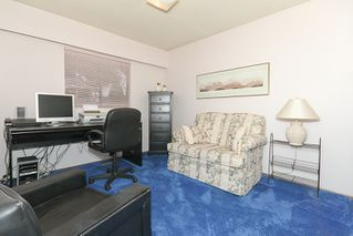 "Photo 13: 856 51A Street in Tsawwassen: Tsawwassen Central House for sale in ""CLIFF DRIVE"" : MLS®# V879158"