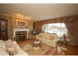 Photo 2: 4812 BRENTLAWN Drive in Burnaby: Brentwood Park House for sale (Burnaby North)  : MLS®# V913361