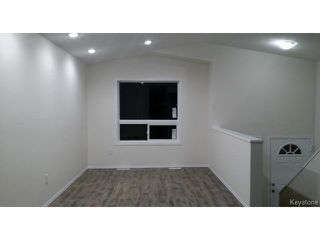 Photo 2: 349 ROSEBERRY Street in WINNIPEG: St James Residential for sale (West Winnipeg)  : MLS®# 1322822