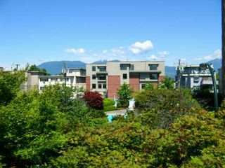 Photo 6: 304 2416 W 3RD AV in Vancouver: Kitsilano Condo for sale (Vancouver West)  : MLS®# V594593