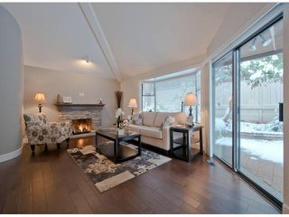 """Photo 2: 2 1830 SOUTHMERE Crescent in Surrey: Sunnyside Park Surrey Townhouse for sale in """"Southpointe"""" (South Surrey White Rock)  : MLS®# F1404011"""