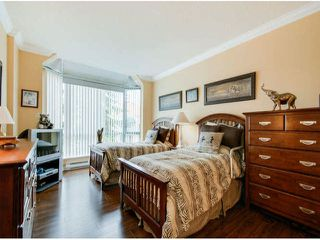 "Photo 11: 404 1785 MARTIN Drive in Surrey: Sunnyside Park Surrey Condo for sale in ""SOUTHWYND"" (South Surrey White Rock)  : MLS®# F1412611"