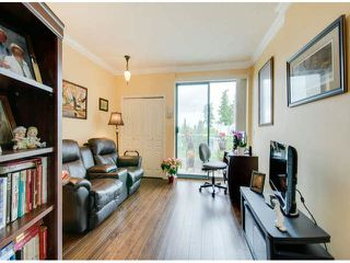 "Photo 15: 404 1785 MARTIN Drive in Surrey: Sunnyside Park Surrey Condo for sale in ""SOUTHWYND"" (South Surrey White Rock)  : MLS®# F1412611"
