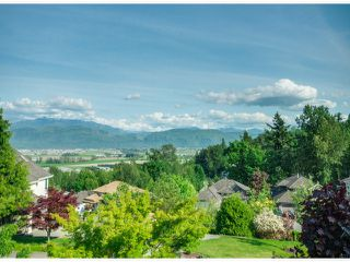 "Photo 2: 35957 STONERIDGE Place in Abbotsford: Abbotsford East House for sale in ""Mountain Meadows"" : MLS®# F1412668"