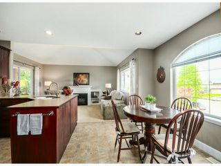 "Photo 6: 35957 STONERIDGE Place in Abbotsford: Abbotsford East House for sale in ""Mountain Meadows"" : MLS®# F1412668"