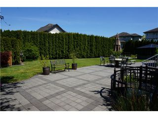 """Photo 3: 18039 68TH Avenue in Surrey: Cloverdale BC House for sale in """"NORTH CLOVERDALE WEST"""" (Cloverdale)  : MLS®# F1412711"""